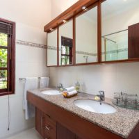 Villa Bahagia Bathroom 2